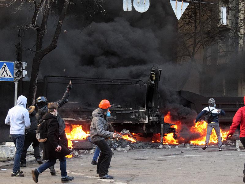 Euromaidan_Kiev_2014-02-18_15-08