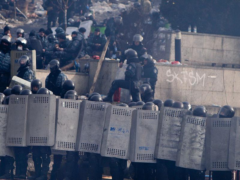 Euromaidan_in_Kiev_2014-02-19_12-20